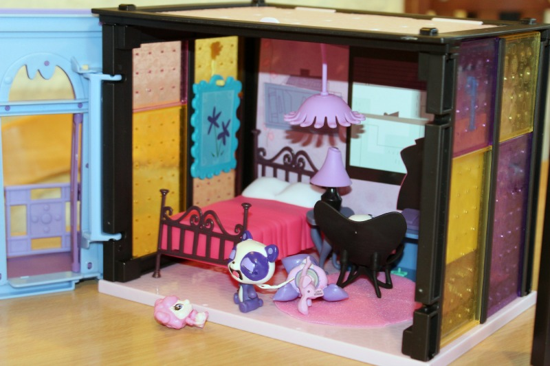 LPS blythes bedroom