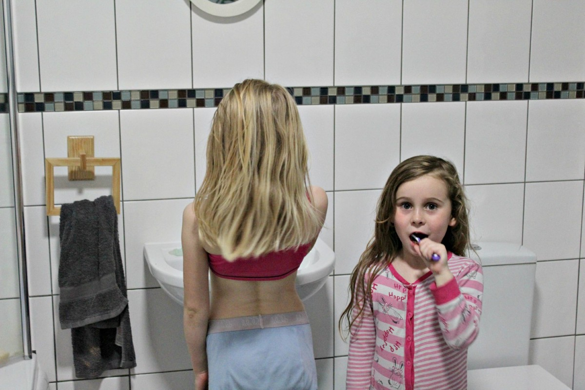 bedtime routine girls teeth brusing