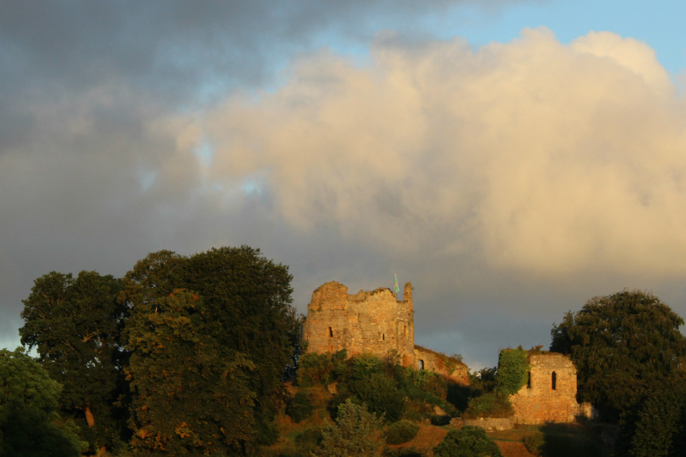 old-hawarden-castle-good-life-experience
