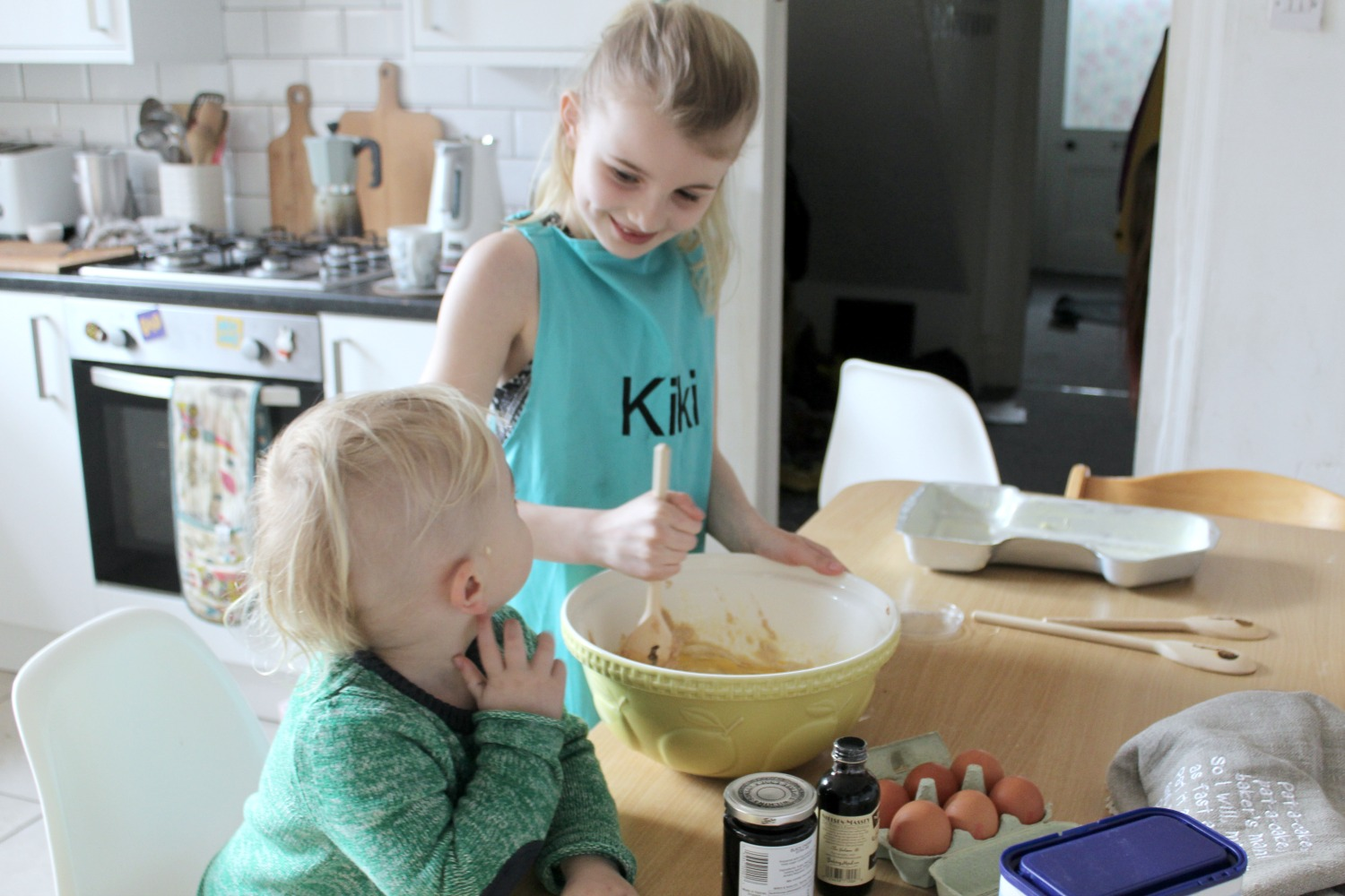 kiki-and-beastie-baking