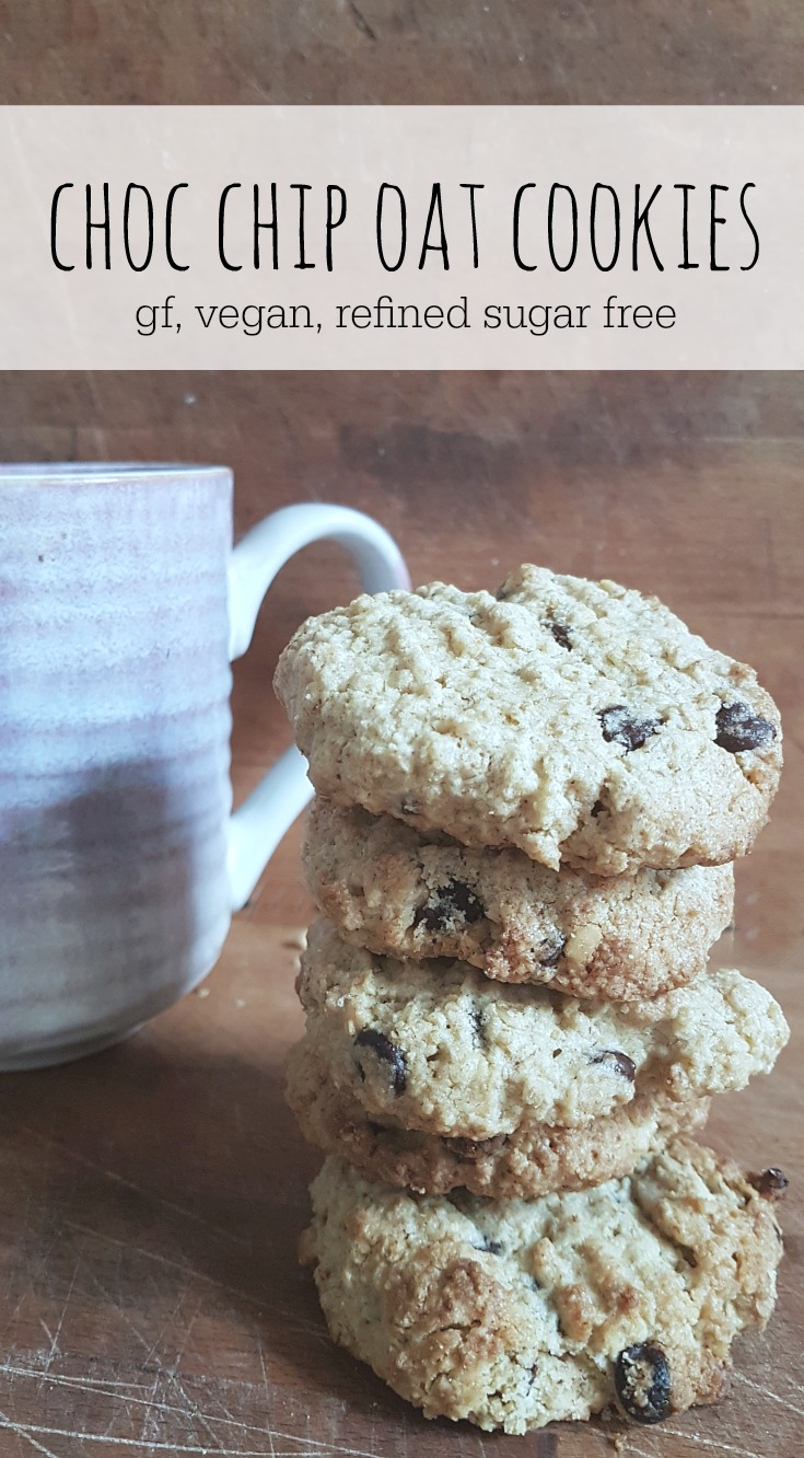 vegan choc chip oat cookies