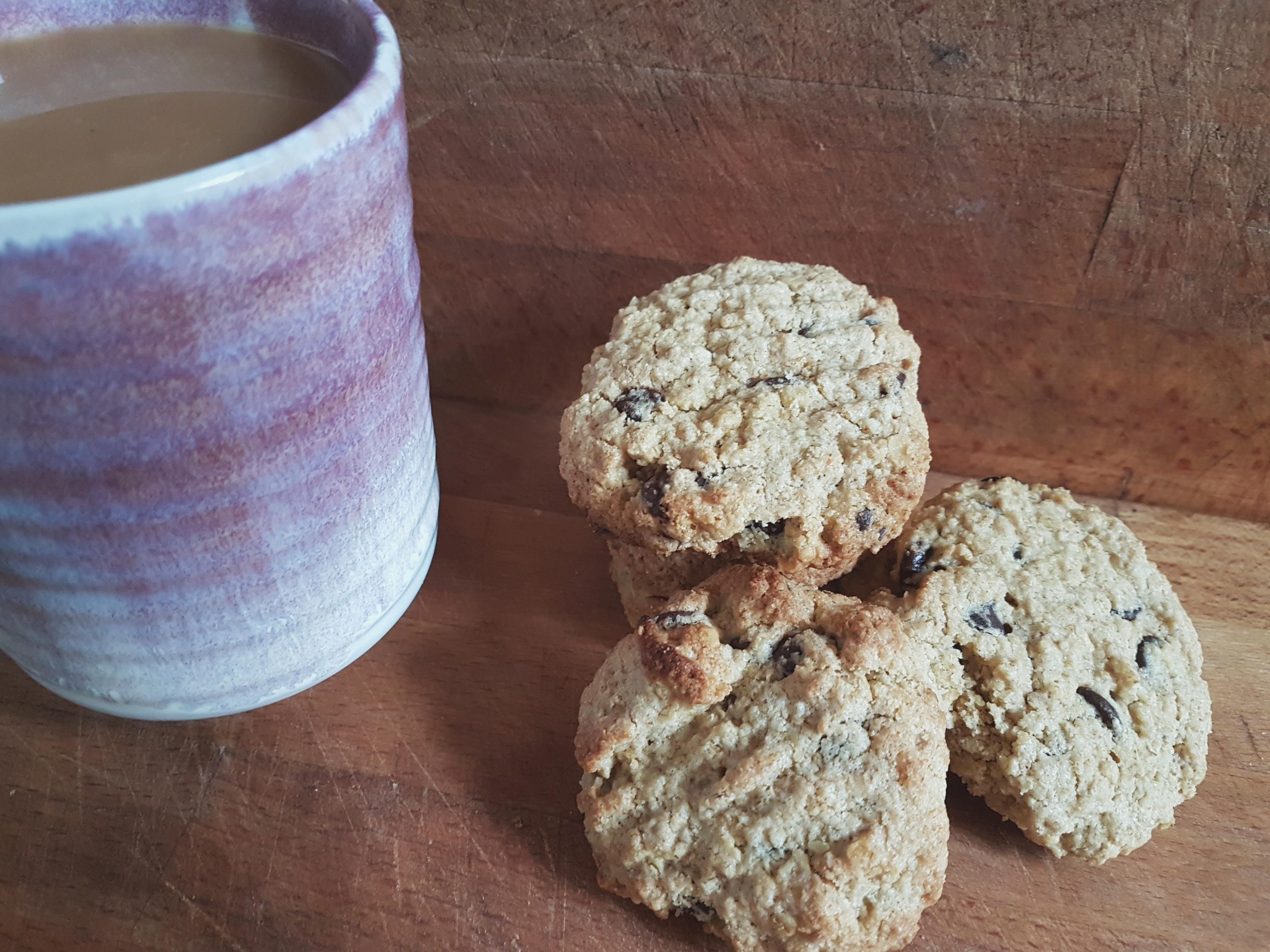 Recipe | Vegan Choc Chip Oat Cookies