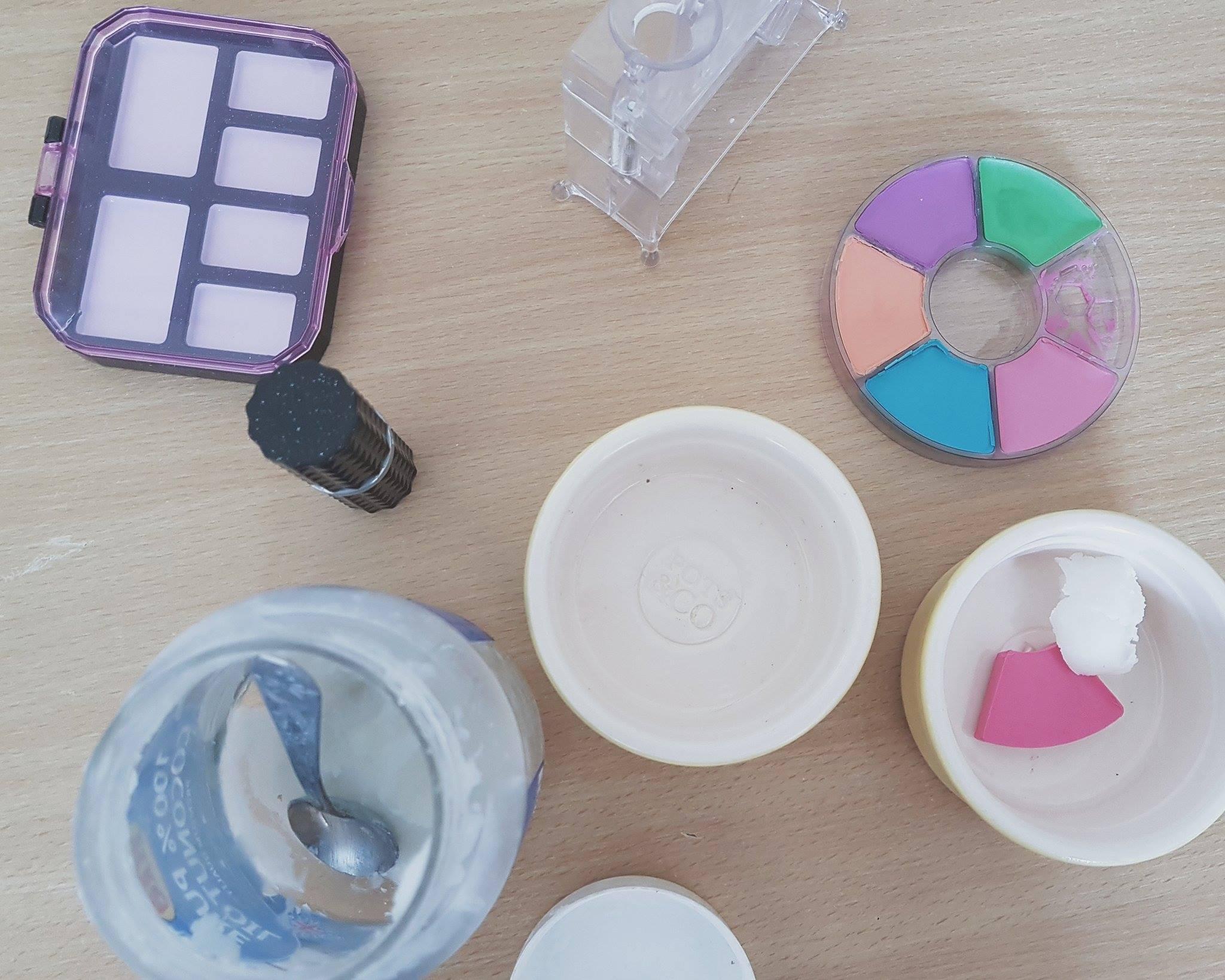 project-mc2-crayon-make-up-science-kit