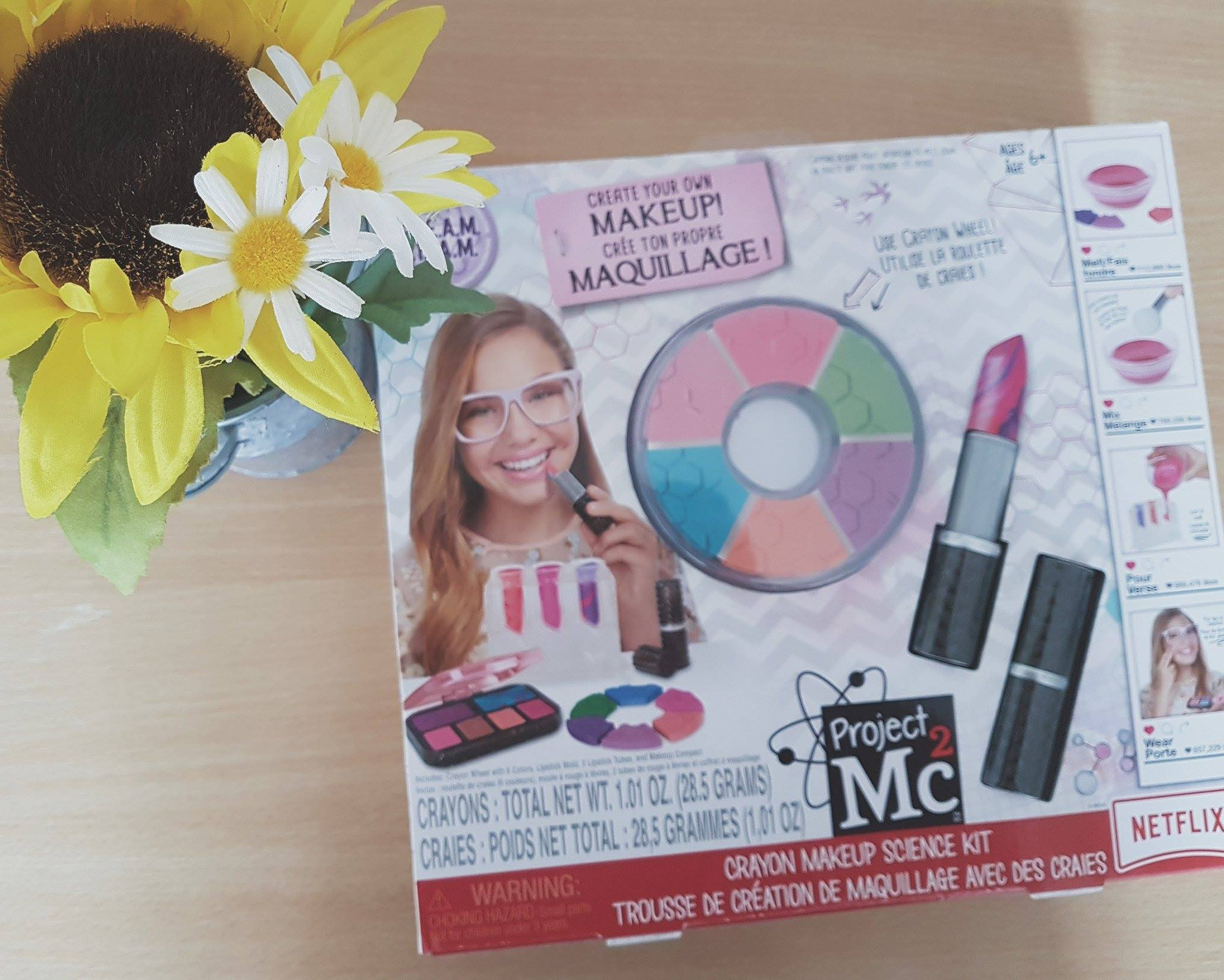 Review  Project Mc2 Crayon Make-up Science Kit