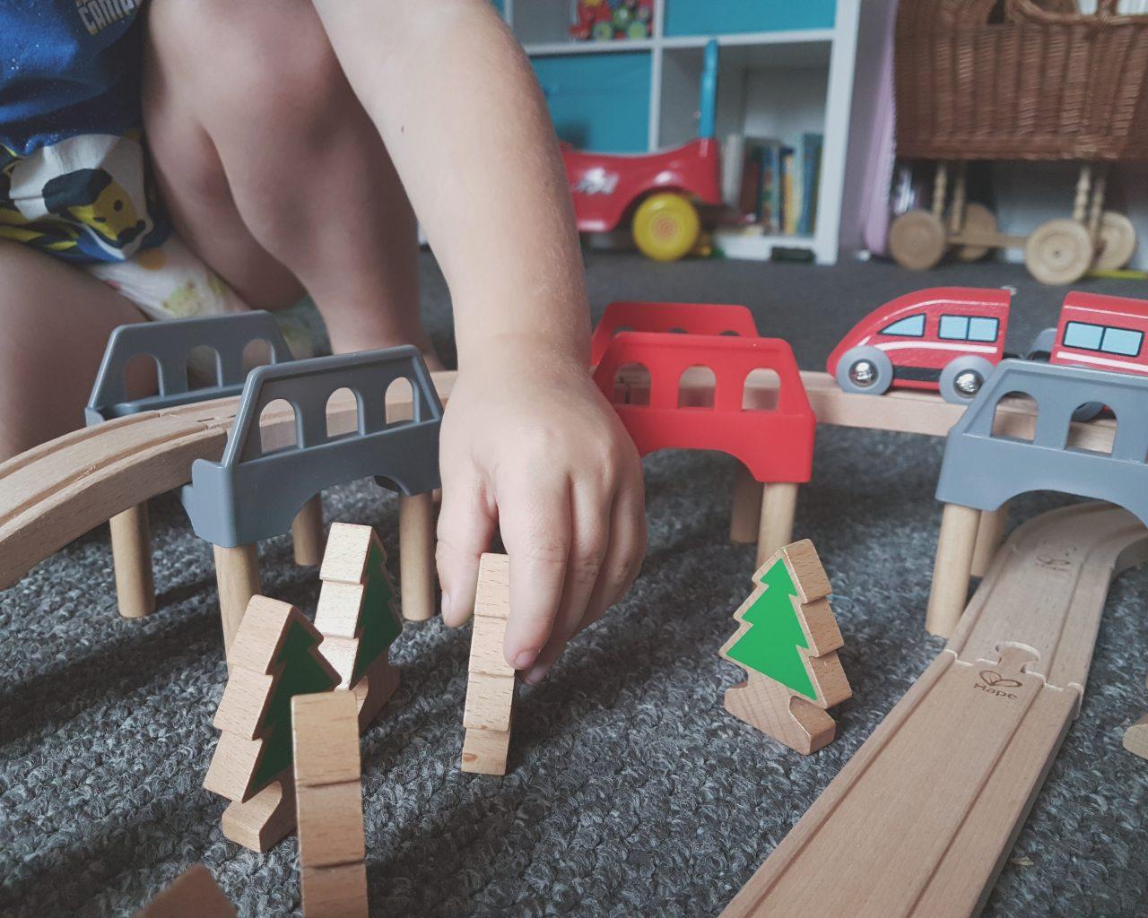 Review | Hape High & Low Railway Set